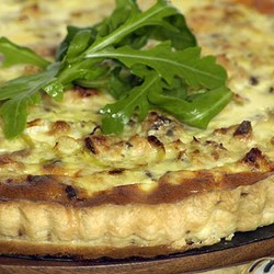 Salmon quiche with leeks
