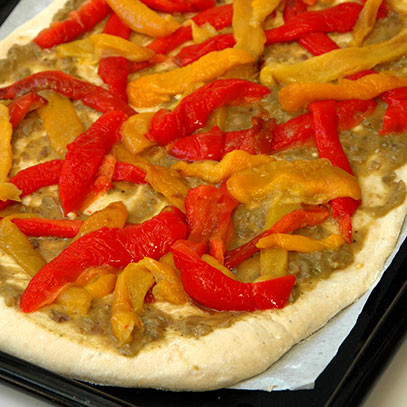 red and yellow pepper pizza a combination of red and yellow peppers ...
