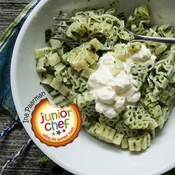 Junior chef   quick pasta with basil pesto